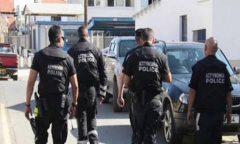 Αστυνομικοί «έστεκαν προσοχή» μπροστά σε άνθρωπο της νύχτας – Έβριζε τον αρχηγό τους