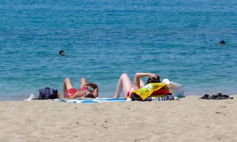 Καιρός: «Καμίνι» όλη η Ελλάδα – Ξεπέρασε τους 40 βαθμούς ο υδράργυρος