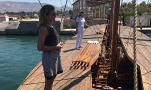 Απίστευτο ατύχημα για την Ευγενία Μανωλίδου: Έπεσε στη θάλασσα από τριήρη!