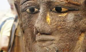 Αίγυπτος: Βρέθηκε σπάνια επιχρυσωμένη μάσκα μούμιας με άρωμα... Ελλάδας