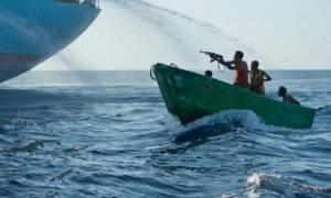 Πειρατές στη Σομαλία επιτέθηκαν σε λάθος πλοίο... Δείτε τι έπαθαν... (video)