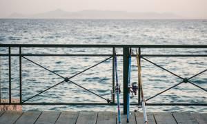 Τραγωδία στη Φθιώτιδα: Πήγε να πιάσει το καλάμι ψαρέματος και πνίγηκε