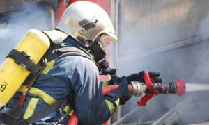 Συναγερμός για φωτιά σε εργοστάσιο στο Βέλο Κορινθίας