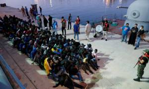 Λιβύη: Η ακτοφυλακή σταμάτησε 156 μετανάστες που είχαν προορισμό την Ευρώπη