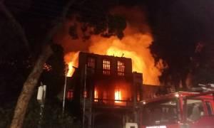 Φωτιά: Τεράστια η καταστροφή στο Πολεμικό Μουσείο των Χανίων - Υπό έλεγχο η πυρκαγιά (pics+vids)
