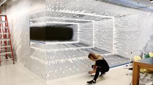 Αυτή η τύπισσα ζωγραφίζει τους τοίχους και τους κάνει τρισδιάστατους!
