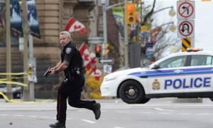 Συναγερμός στον Καναδά: Επίθεση με μαχαίρι σε στρατιώτη στο Κοινοβούλιο