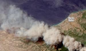 Φωτιά Αττική: Εικόνες που κόβουν την ανάσα – Οι καταστροφικές πυρκαγιές από το διάστημα