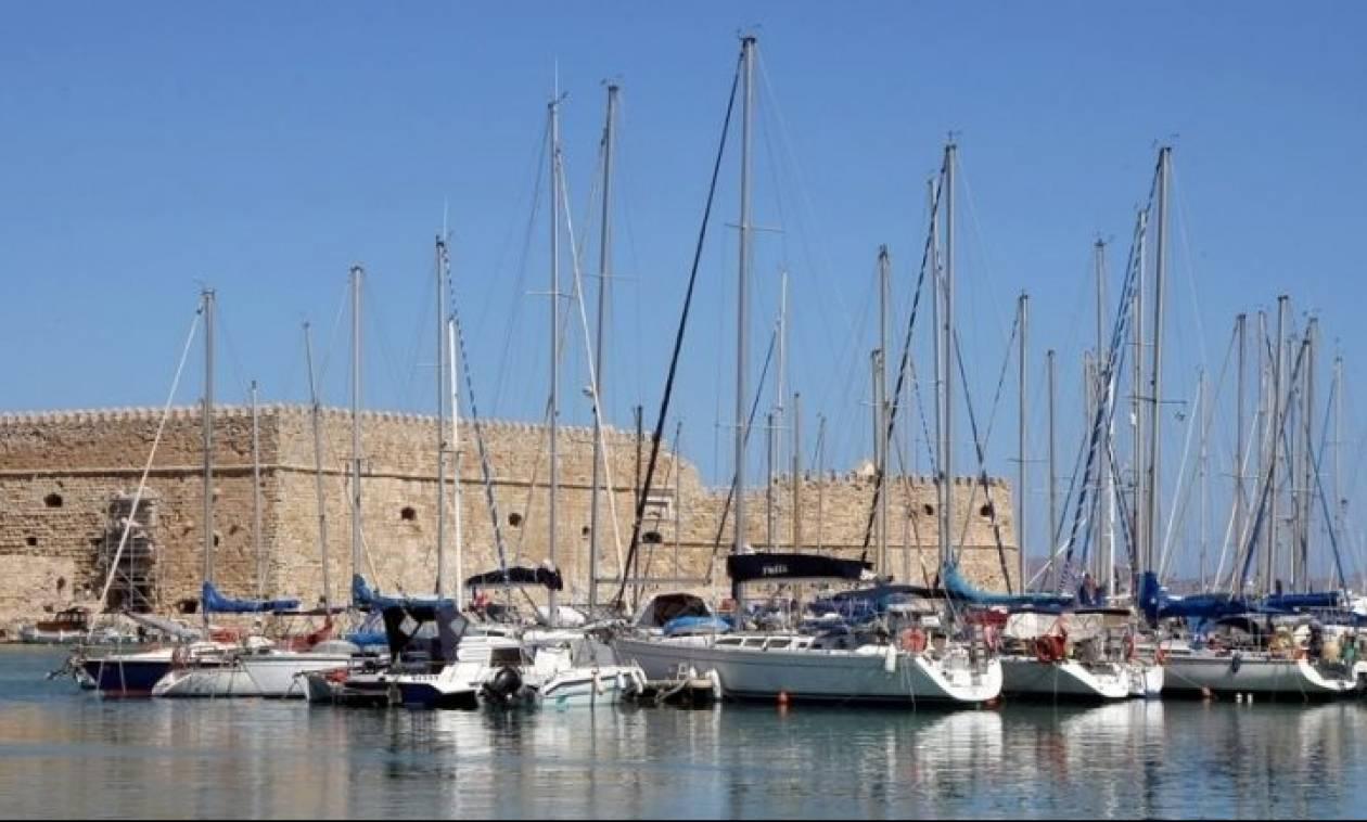 Αναστάτωση στο Ηράκλειο: Λιμενικός εκτός υπηρεσίας έσωσε παιδί που έπεσε στη θάλασσα!