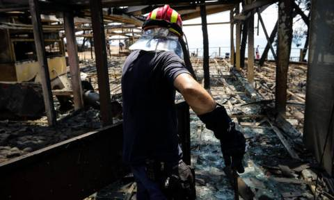Число погибших в пожарах в Греции достигло 84 человек. В моргах идет процедура опознания тел
