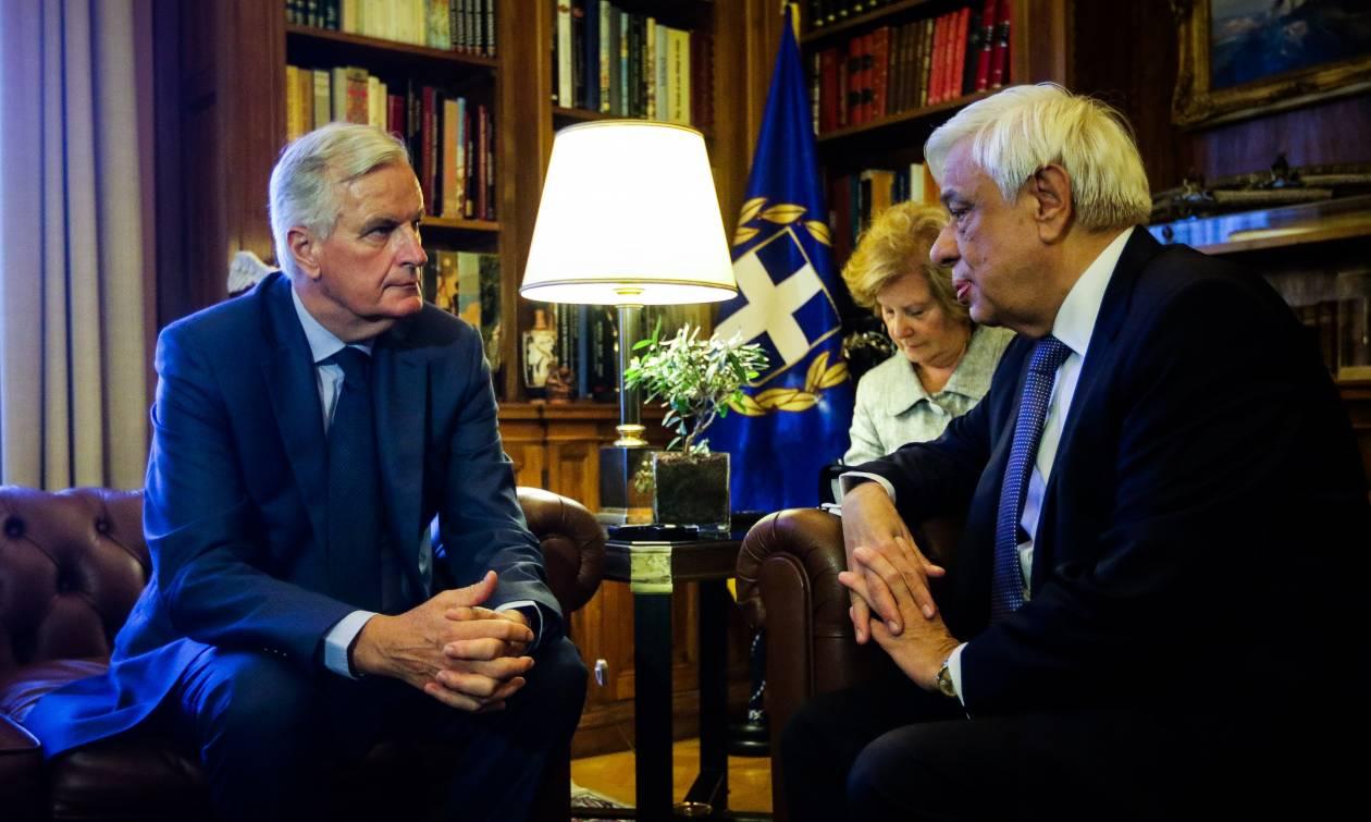 Παυλόπουλος: Στιγμές πένθους για την Ελλάδα – Μπαρνιέ: Είμαστε δίπλα στον ελληνικό λαό (vid)