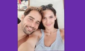 Χάρης Γιακουμάτος: Δείτε την εντυπωσιακή γυναίκα του - Το πρώτο μπάνιο του γιου του στη θάλασσα