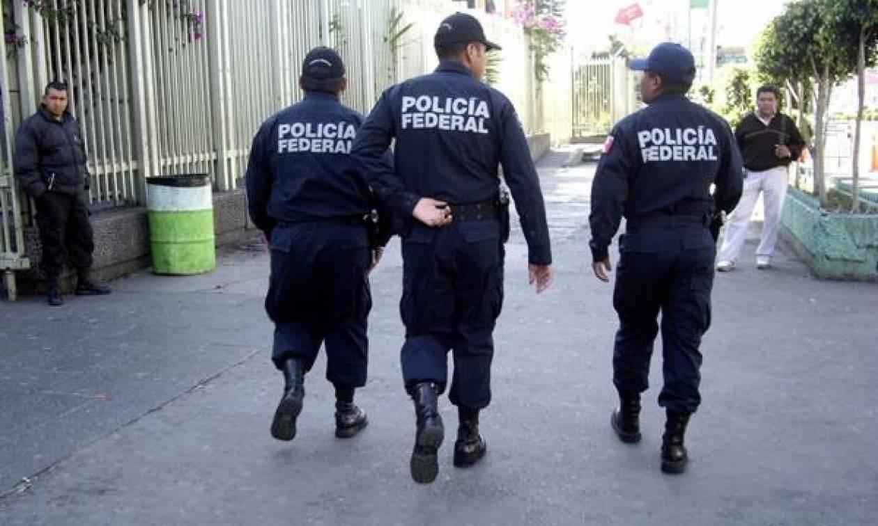 Μεξικό: Οπλοφόροι δολοφόνησαν 6 ανθρώπους που κήδευαν νεαρό συγγενή τους