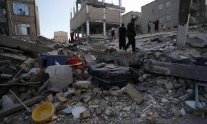 Ισχυρός σεισμός στην Ινδονησία: Τουλάχιστον 10 νεκροί