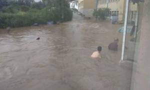 Εικόνες σοκ από την κακοκαιρία στην Αττική - «Κολυμπούν» έξω από το νοσοκομείο Σωτηρία