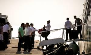 Στο λιμενοβραχίονα της Ραφήνας προσέκρουσε το FLYING CAT 4 με 215 επιβάτες