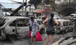 Φωτιά Μάτι: «Έχω καεί τόσο πολύ – Έχασα το σύζυγό μου, έσωσα την κόρη μου» (vid)