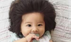 Αυτή η μικρή έχει το πιο πλούσιο μαλλί που έχουμε δει σε μωρό (pics)