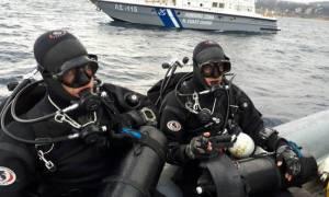 Φωτιά Μάτι: Βίντεο ΣΟΚ! Η στιγμή της ανεύρεσης νεκρού στη θάλασσα