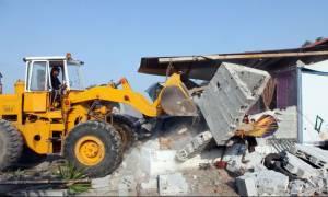 Βγαίνουν οι μπουλντόζες: Ποια αυθαίρετα κατεδαφίζονται άμεσα