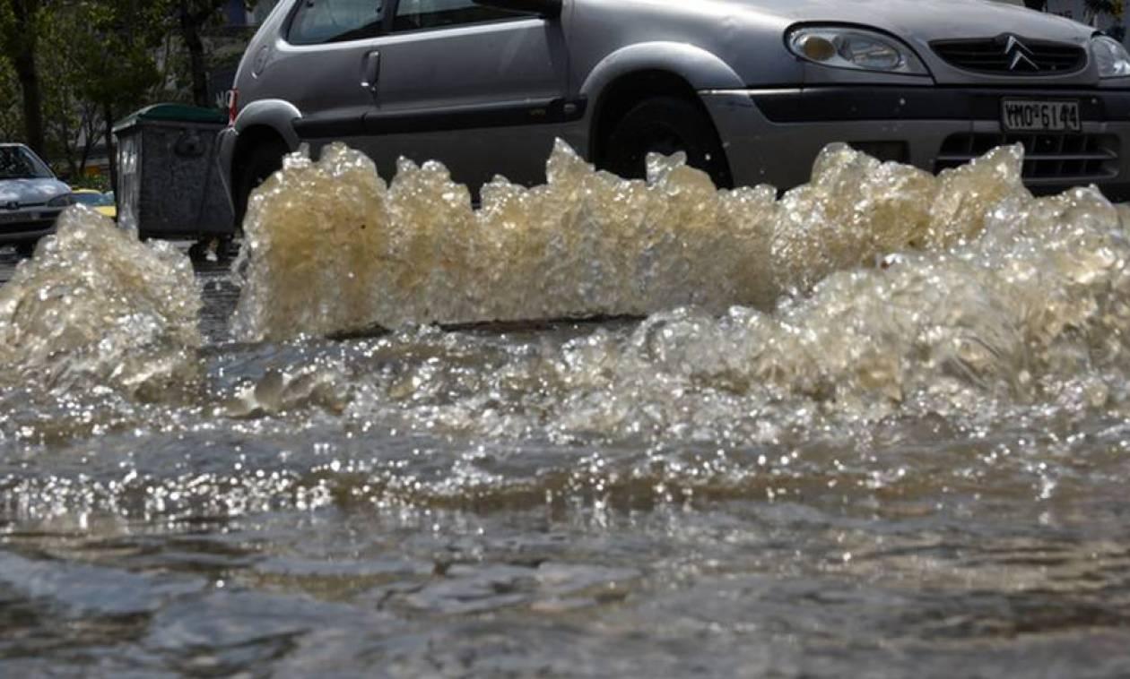 Θεσσαλονίκη: Πλημμύρες και δρόμοι ποτάμια στον Πολύγυρο