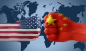 Νέο ισχυρό εμπορικό χτύπημα κατά της Κίνας ετοιμάζει ο Τραμπ