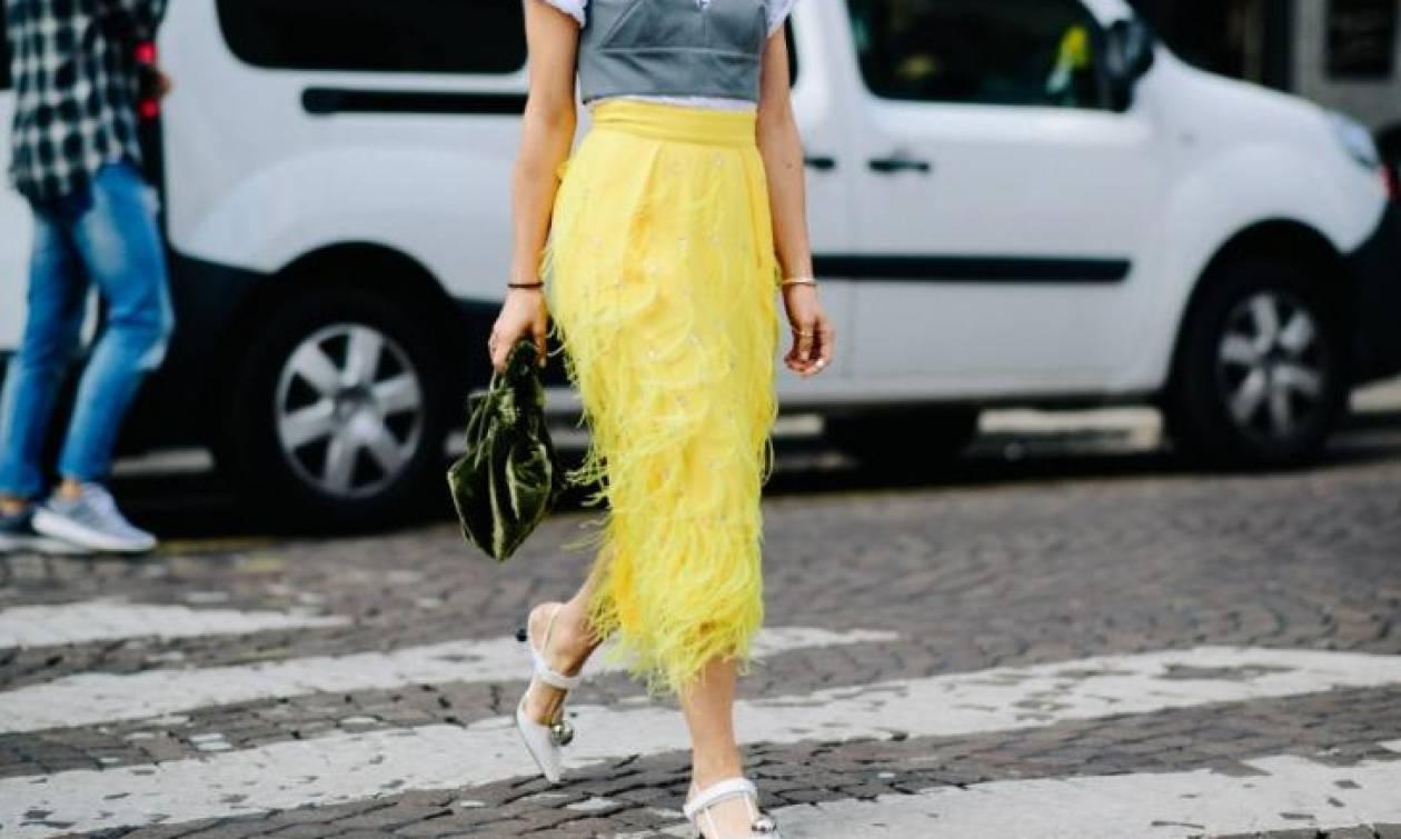 Έξι κίτρινα fashion items που μπορείς να πάρεις από τις εκπτώσεις του Asos
