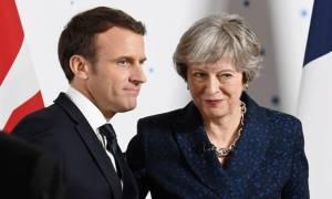 Μακρόν και Μέι συζητούν σήμερα (03/08) για το Brexit