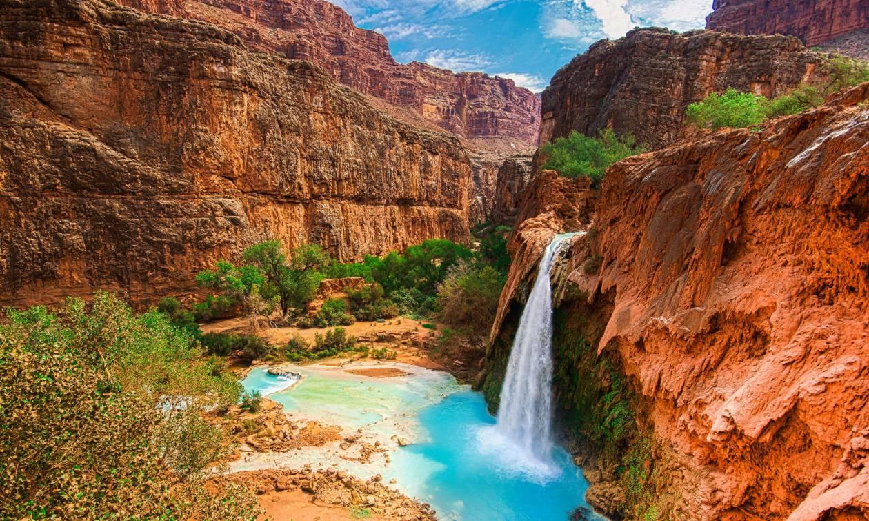 Οι καταρράκτες του Grand Canyon που μαγεύουν τους επισκέπτες (vid)