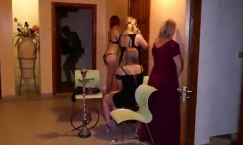 Το ακατάλληλο βίντεο με τις εικόνες ντροπής από παράνομο όργιο δεκάδων ζευγαριών!