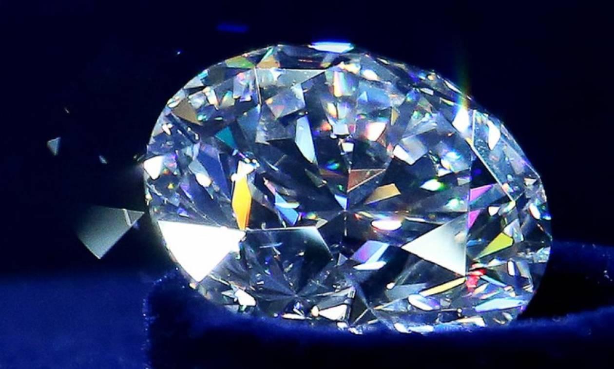 Διαμάντι 51,38 καρατίων πουλήθηκε για 10 εκατ. δολάρια