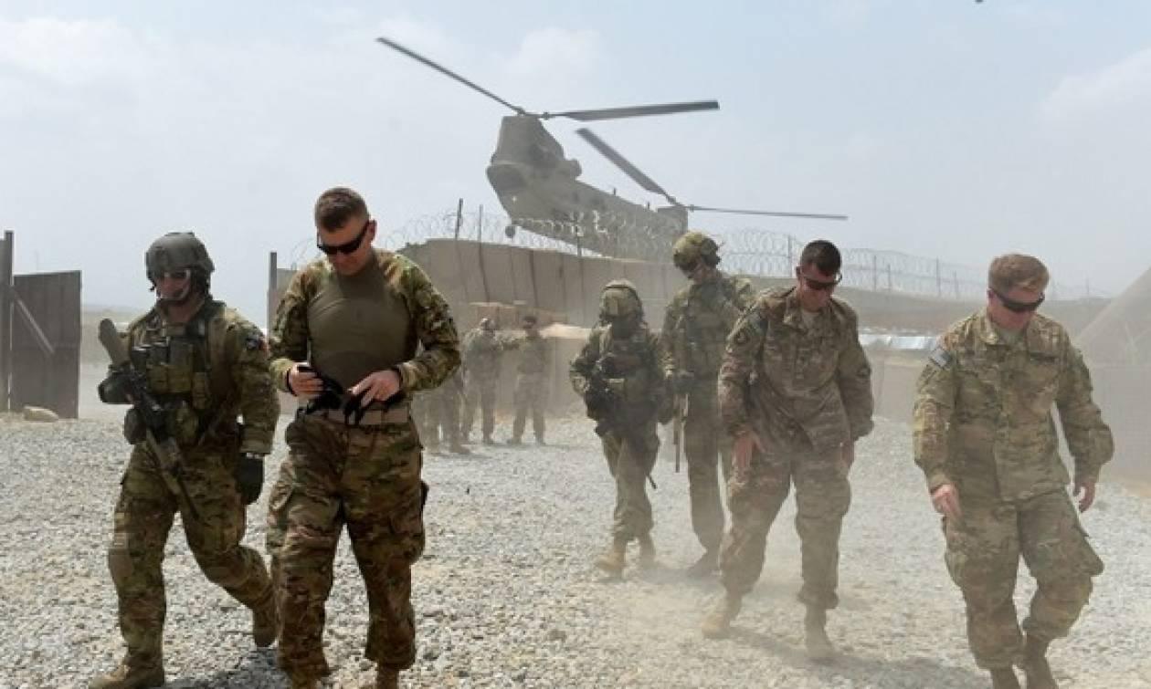 Βομβιστής αυτοκτονίας ανατινάχθηκε μπροστά σε περίπολο του ΝΑΤΟ – Τρεις στρατιώτες νεκροί