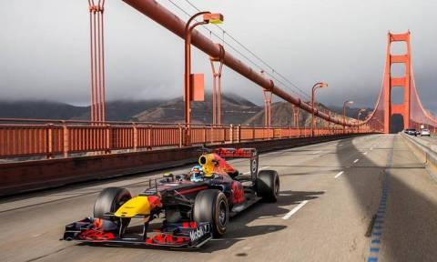 Δείτε ένα μονοθέσιο της Red Bull στους δρόμους των ΗΠΑ με οδηγό τον Ricciardo που πήγε στη Renault