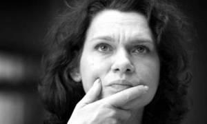 Τουρκάλα συγγραφέας κινδυνεύει με ισόβια: «Η Τουρκία του Ερντογάν μοιάζει με τη ναζιστική Γερμανία»
