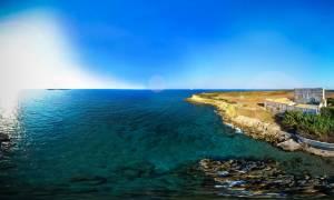 Στροφάδια: Τα νησάκια με το καστρομονάστηρο που παραμένουν πληγωμένα από τους σεισμούς του '97 (vid)