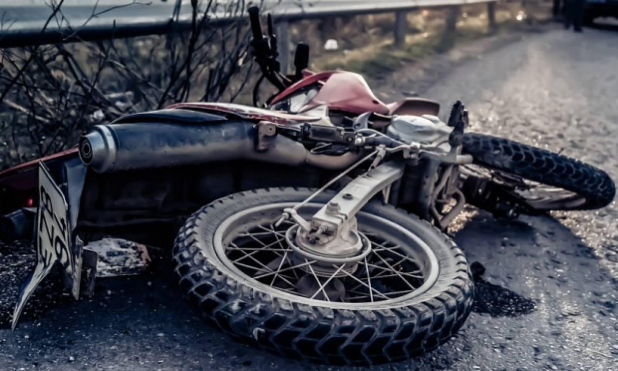 Φθιώτιδα: Τραυματίστηκε νεαρό ζευγάρι με μηχανή