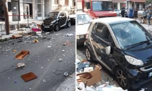 Ξάνθη: Γυναίκα σε κατάσταση αμόκ πέταξε όλο το νοικοκυριό από το μπαλκόνι στο δρόμο! (pics)