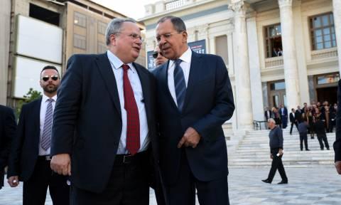 Αντίμετρα από τη Μόσχα για τις απελάσεις των δύο Ρώσων διπλωματών