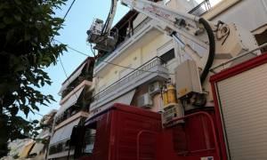 Μεγάλη φωτιά σε διαμέρισμα στη Νίκαια (pics)