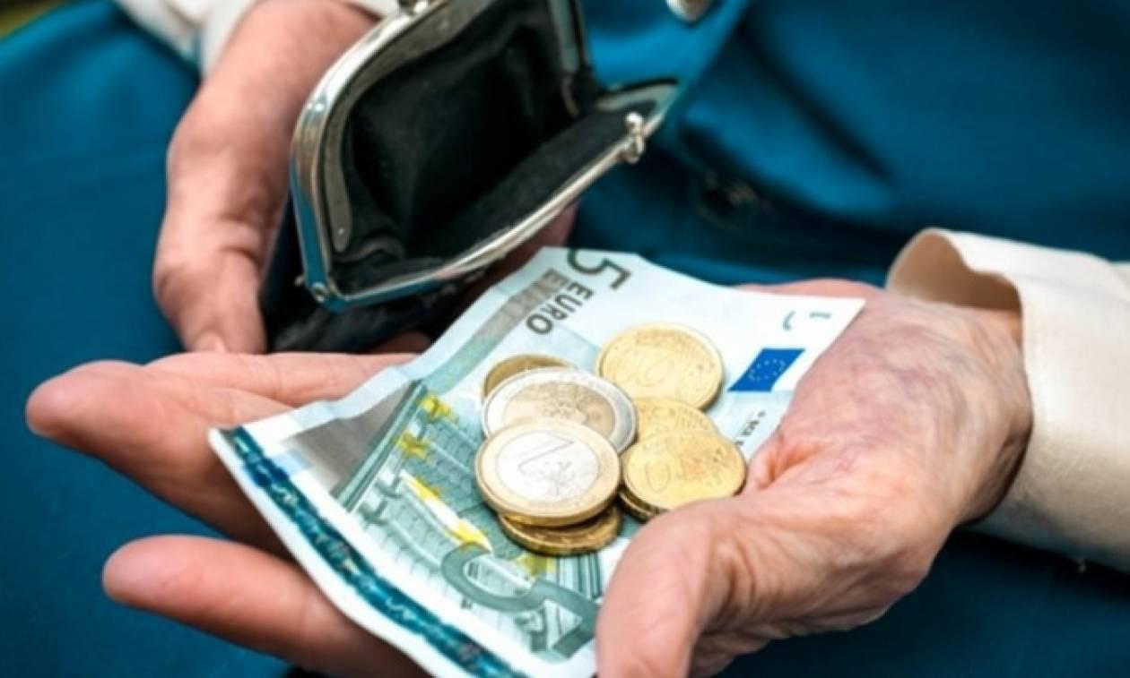 Νέα μείωση-σοκ στις συντάξεις: Ποιοι χάνουν από 600 έως και 4.200 ευρώ το χρόνο