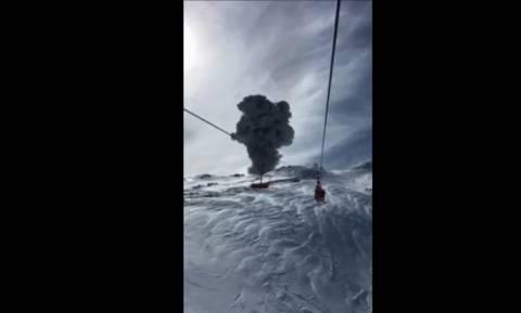 Πρώτη θέση στην... έκρηξη ηφαιστείου (vid)