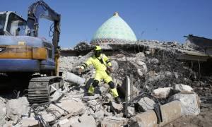 Ινδονησία: Πανικός από το νέο μεγάλο σεισμό - Αυξάνονται συνεχώς οι νεκροί (vid)