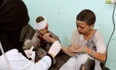Μακελειό στην Υεμένη: Δεκάδες παιδιά νεκρά από την επίθεση σε λεωφορείο (σκληρές εικόνες)