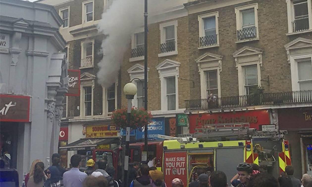 Βρετανία: Μεγάλη φωτιά σε τετραώροφο κτήριο στο Λονδίνο