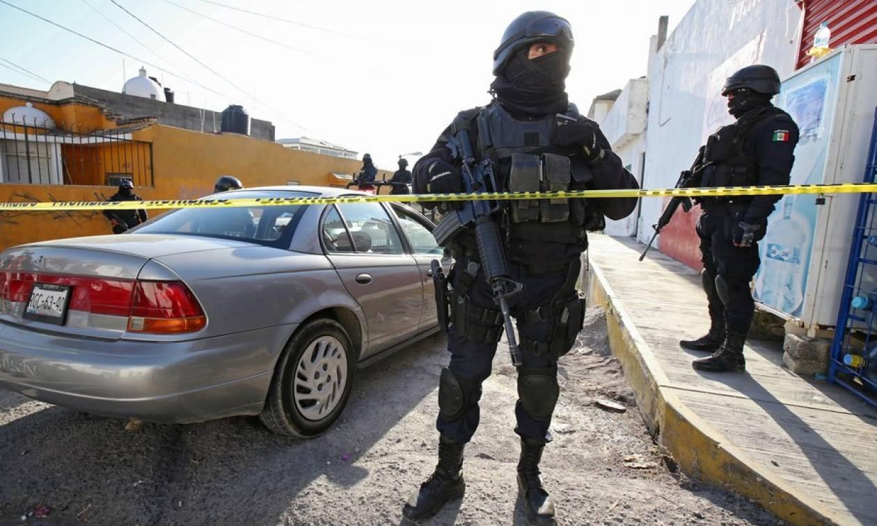Φρίκη στο Μεξικό: Δεκάδες νεκροί εντοπίστηκαν σε δύο σπίτια και ομαδικούς τάφους