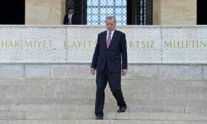 Τουρκία - Ερντογάν: Εκείνοι έχουν τα δολάριά τους, εμείς έχουμε τον Θεό μας