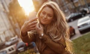 Selfies: Για ποια ψυχική διαταραχή αυξάνουν τον κίνδυνο