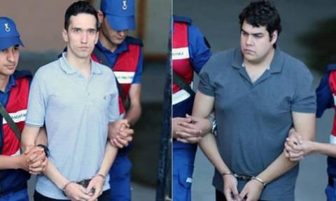 Έλληνες στρατιωτικοί: Συγκλονίζει ο πατέρας του Μητρετώδη-«Δεν ξέρετε τι αγώνα δίνουν τα παιδιά μας»