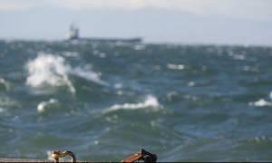 Καιρός: Επιμένουν οι ισχυροί άνεμοι - Με τι καιρό θα ταξιδέψουν οι εκδρομείς