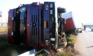 Τραγωδία στη Ε.Ο. Θεσσαλονίκης - Σερρών - Νεκρός οδηγός νταλίκας που ανετράπη